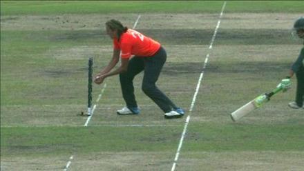 SF2: England Women v South Africa women-Shabnim Ismail Wicket