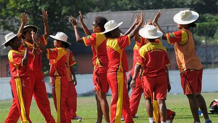Papua New Guinea Women warming up
