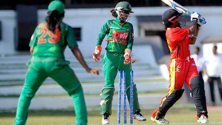 Hinamutawa Philip is bowled by Salma Khatun