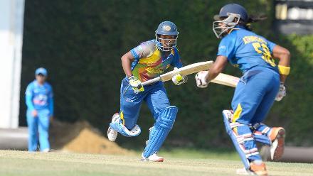 Sri Lanka openers run between the wickets