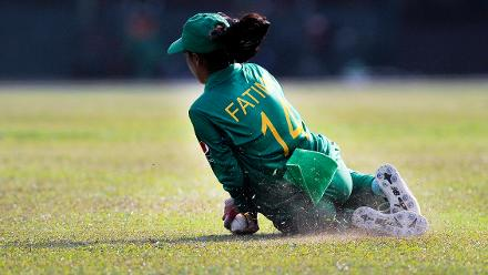 Ghulam Fatima fields during Pakistan's ICC Women's World Cup Qualifier 2017 match against Bangladesh