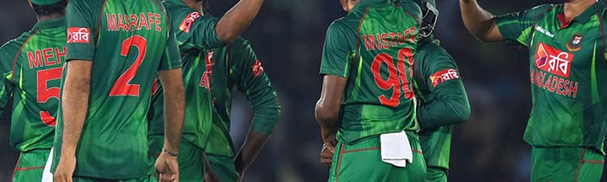 Shakib al Hasan of Banglaesh celebrates a Sri Lankan wicket during the first ODI