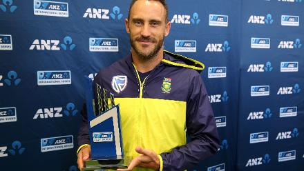 Faf du Plessis with the trophy after winning the series 1-0