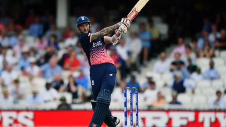 WICKET: Alex Hales falls to Sabbir Rahman for 95