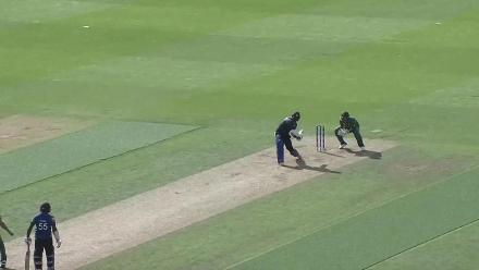 WICKET: Tharanga falls to Tahir for 57