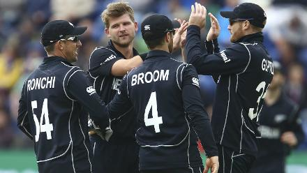 Corey Anderson was the pick of the bowlers finishing with 3 for 55 from nine overs.