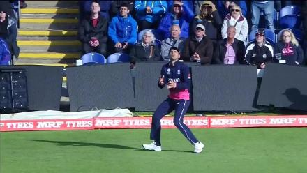 WICKET: Corey Anderson falls to Liam Plunkett for 10