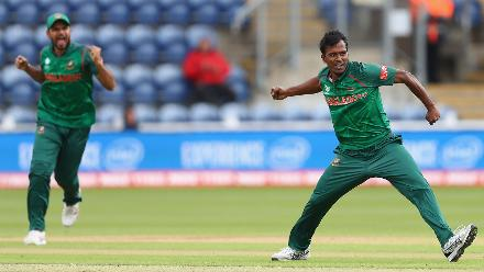 Rubel hossain got rid of Guptill, trapping him leg before