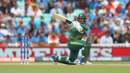 Quinton de Kock scored a measured 53 off 72 balls, the only South African batsman to score a half century.