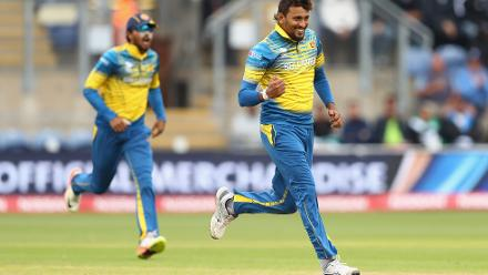 Suranga Lakmal celebrates after taking the wicket of Azhar Ali for 34.