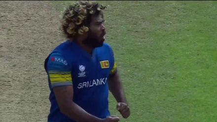 WICKET: Malinga traps Malik with a short one for 11