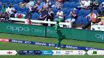 WICKET: Root falls to Shadab for 46