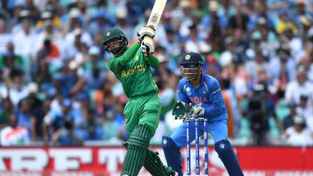 Mohammad Hafeez smashed a belligerent 37-ball 57 to provide the late impetus as Pakistan surged to 338 for 4 in its 50 overs, the highest score in this year's Champions Trophy.