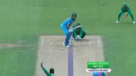 WICKET: Yuvraj falls to Shadab for 22