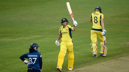 Meg Lanning guided the defending champion over the line with an unbeaten 152.