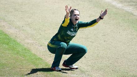 Dane van Niekerk of South Africa appeals during the ICC Women's World Cup 2017 match.