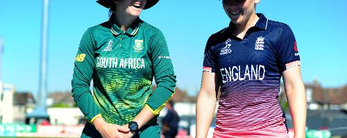 Dane van Niekerk of South Africa and Heather Knight of England chat during the ICC Women's World Cup 2017 match.