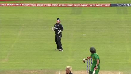 WICKET: Diana Baig falls for 1