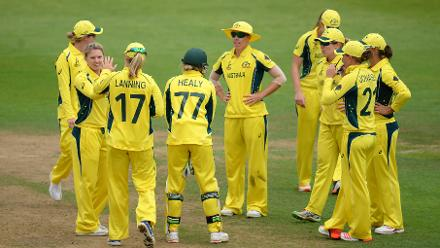 Australia made a strong comeback, picking up wickets in quick succession, as India reached 226 for 6 at the end of its 50 overs