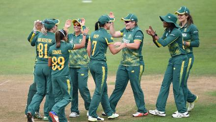 South Africa struck back with quick strikes, leaving England at a precarious 145 for 5, which soon became 173 for 6 with the wicket of Katherine Brunt.