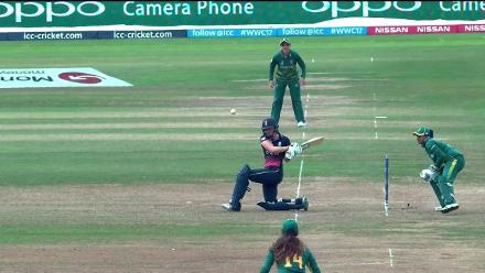 Nissan POTD - Laura Wolvaardt takes a stunner to dismiss Heather Knight