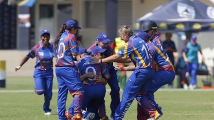 Didi celebrates team mates