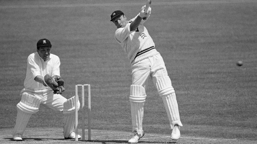 John Murray took 80 balls to get off the mark, batting with a broken shoulder.
