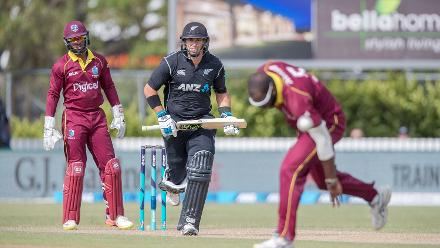 Ross Taylor (49*) played a sedate knock to guide his team to a five-wicket win.