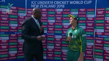 Captains talk to Ian Bishop after Pakistan book their place in the U19CWC Super League semi-finals with victory over South Africa