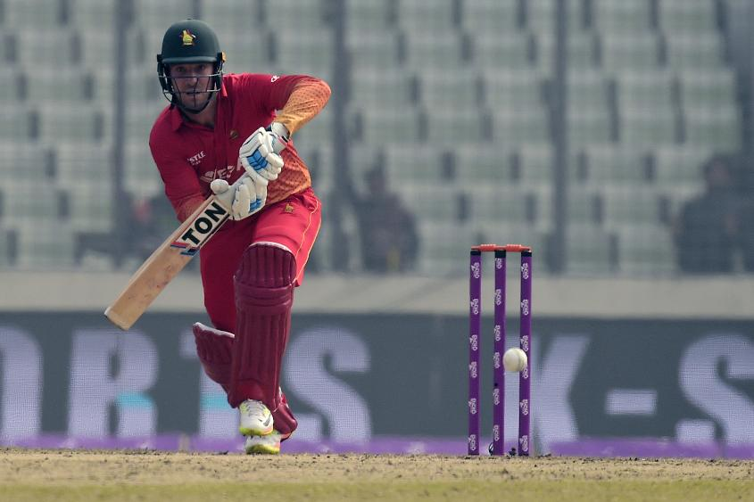 Brendan Taylor smashed a 121-ball 125, studded with five boundaries and eight sixes, in the second ODI