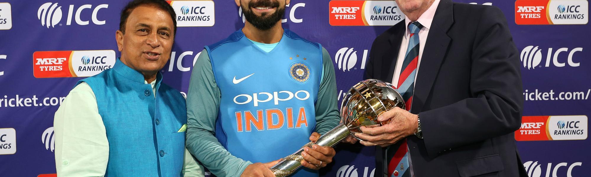 Sunil Gavaskar and Graeme Pollock present Indian captain Virat Kohli the ICC Test Mace