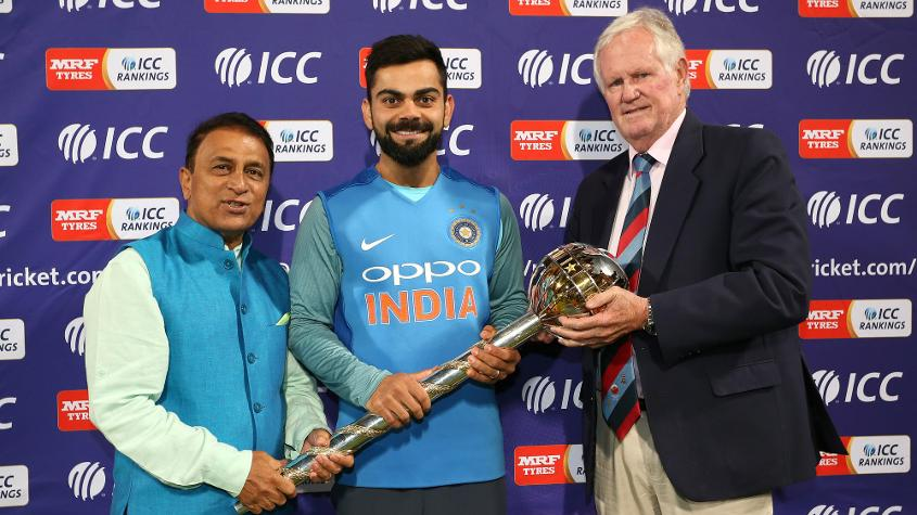 Sunil Gavaskar and Graeme Pollock present Indian captain Virat Kohli the ICC Test Mace