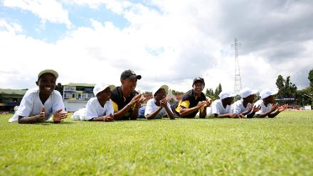 PNG players take part in an ICC Cricket For Good session on the sidelines of the ICC Cricket World Cup Qualifier 2018 in Zimbabwe.