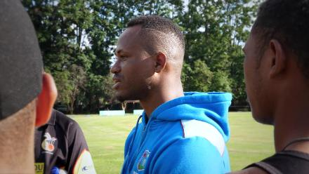 Marlon Samuels chats with PNG team