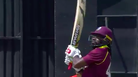 CWCQ POTD - Gayle clears the long boundary with ease!
