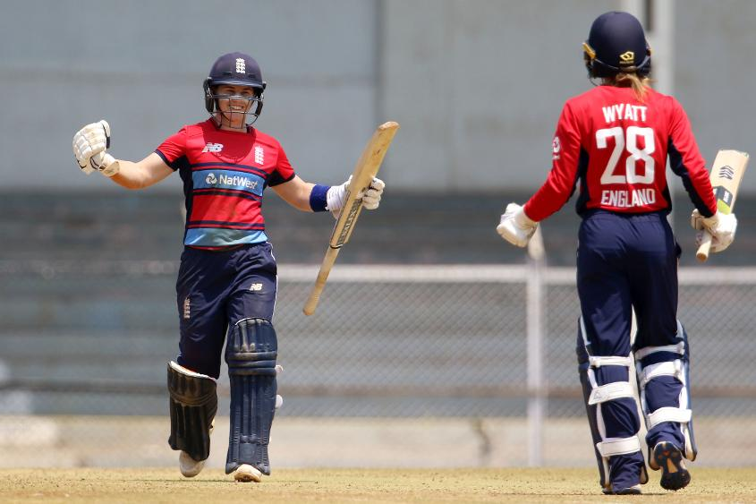 Tammy Beaumont and Danielle Wyatt added 96 runs for the second wicket