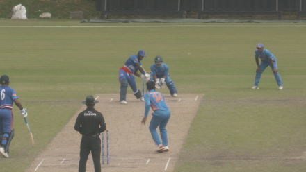 Kamau Leverock smashes sixes while batting injured at No.7
