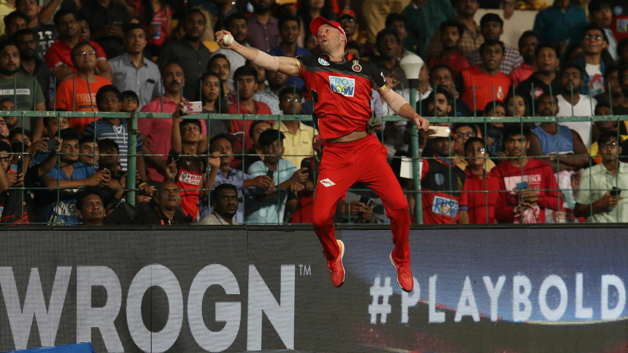 The AB de Villiers catch that defied gravity