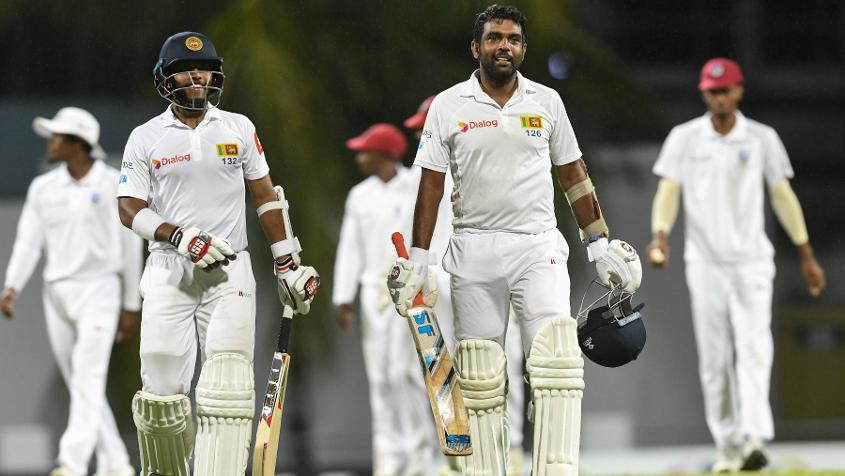 Kusal Mendis and Dilruwan Perera were in the middle when play ended on the third day