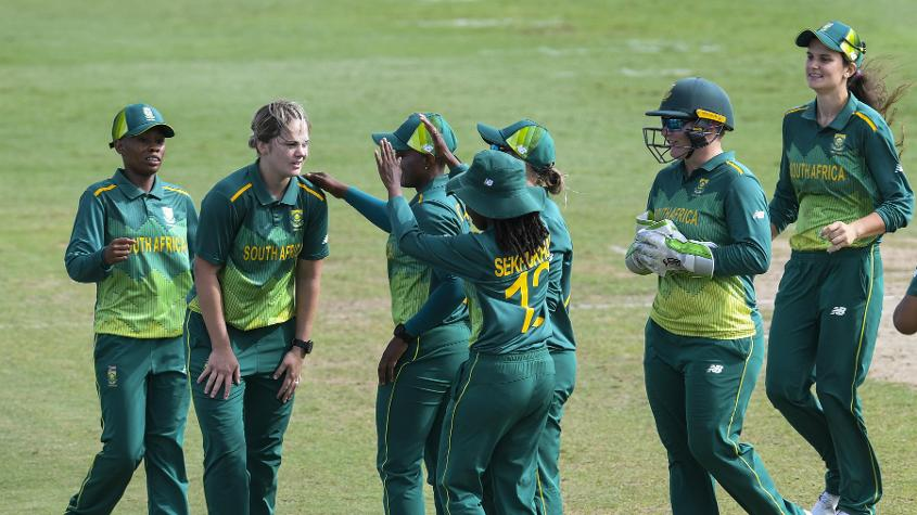 South Africa lead the three-match ODI series 1-0