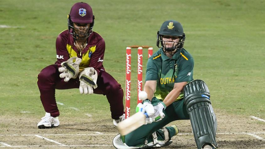 Dane van Niekerk scored a measured 77 but the rest of the batters struggled