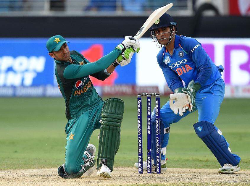 Shoaib Malik top-scored for Pakistan