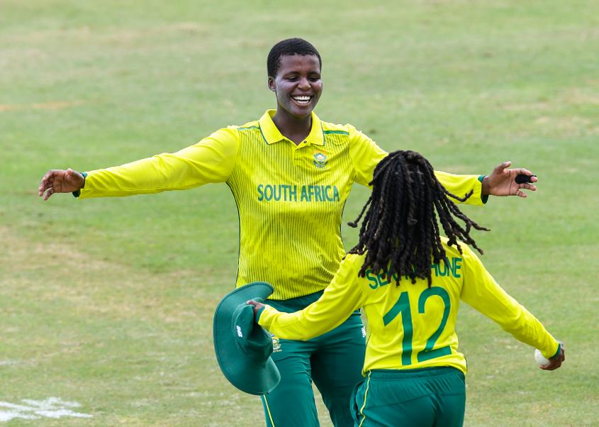 South Africa Women kept the Windies to 155/5