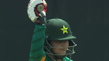 IND v PAK: Bismah Maroof scoops one for four!