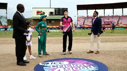 Amy Satterthwaite of New Zealand toss the coin with Javeria Khan of Pakistan looking on during the ICC Women's World T20 2018 match between New Zealand and Pakistan at Guyana National Stadium on November 15, 2018 in Providence, Guyana.