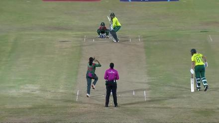 SA v BAN: Sune Luus is knocked over by Khadiza-Tul Kubra