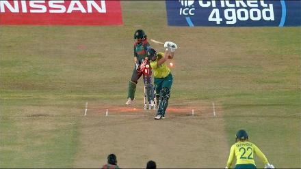 SA v BAN: Nahida Akter dismisses Dane van Niekerk on her second delivery