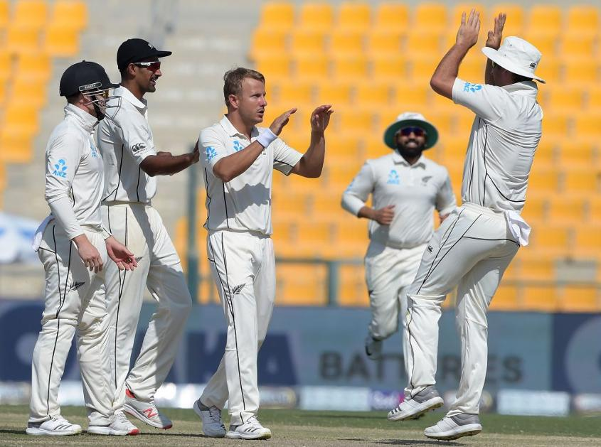 Neil Wagner bowled a tireless 13-over spell either side of lunch, taking two crucial wickets