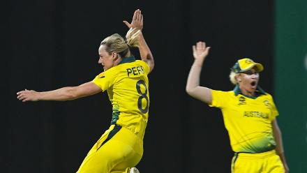 WI v AUS: Ellyse Perry bowls Deandra Dottin with a beauty