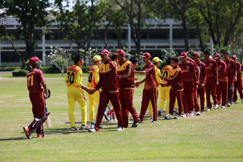 Qatar and Bhutan shake hands